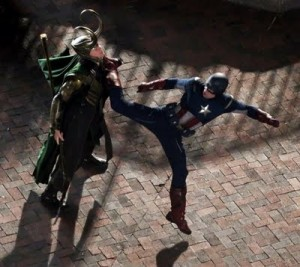The-Avengers-Loki-vs-Captain-America-1