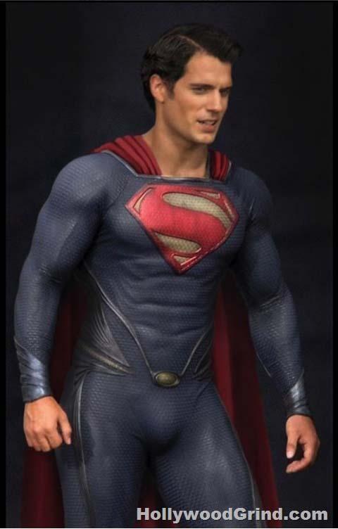 henry-cavill-skin-tight-superman-man-of-steel-hollywoodgrindcom