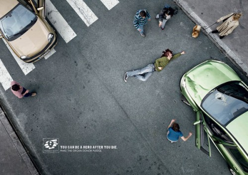 adot-voiture-superman-publicite-500x353