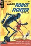 Magnus défendant une opprimée face à un robot, le combat ordinaire de l'an 4000 ! Couverture de Magnus, Robot Fighter 4000 A.D. #28 par Sam Savitt.