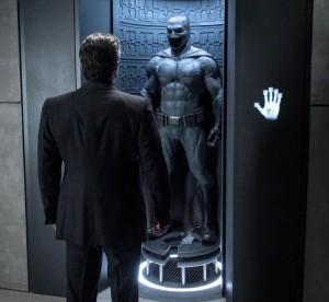 batman-v-superman-costumes-018-1280x720